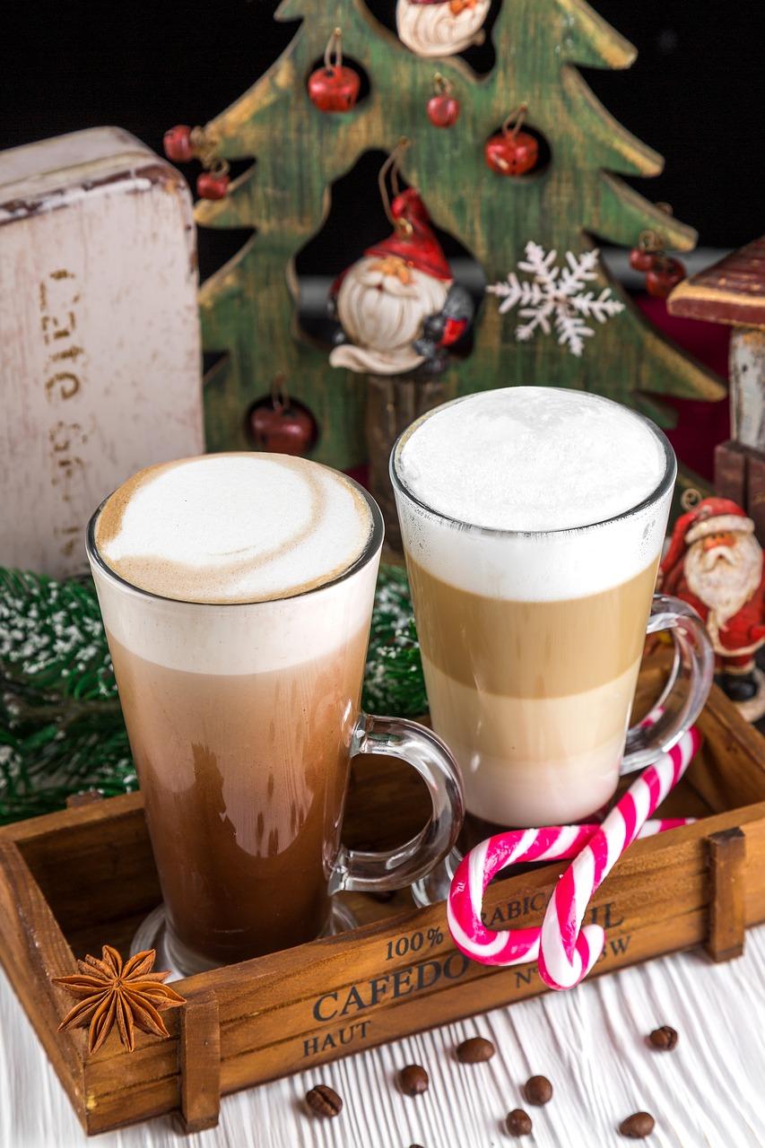Tazas de café navideñas