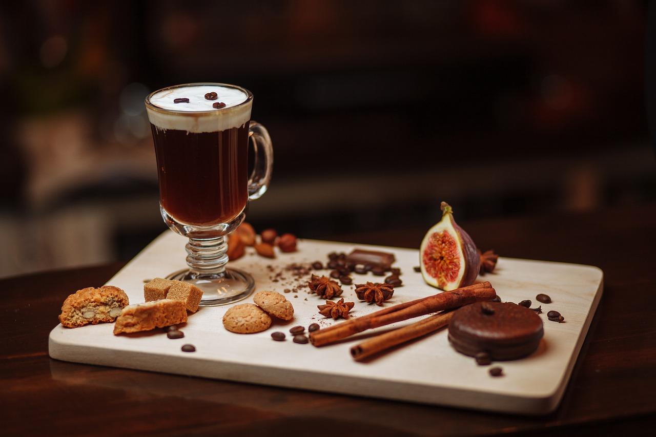 Aprende a preparar las tazas de café más navideñas