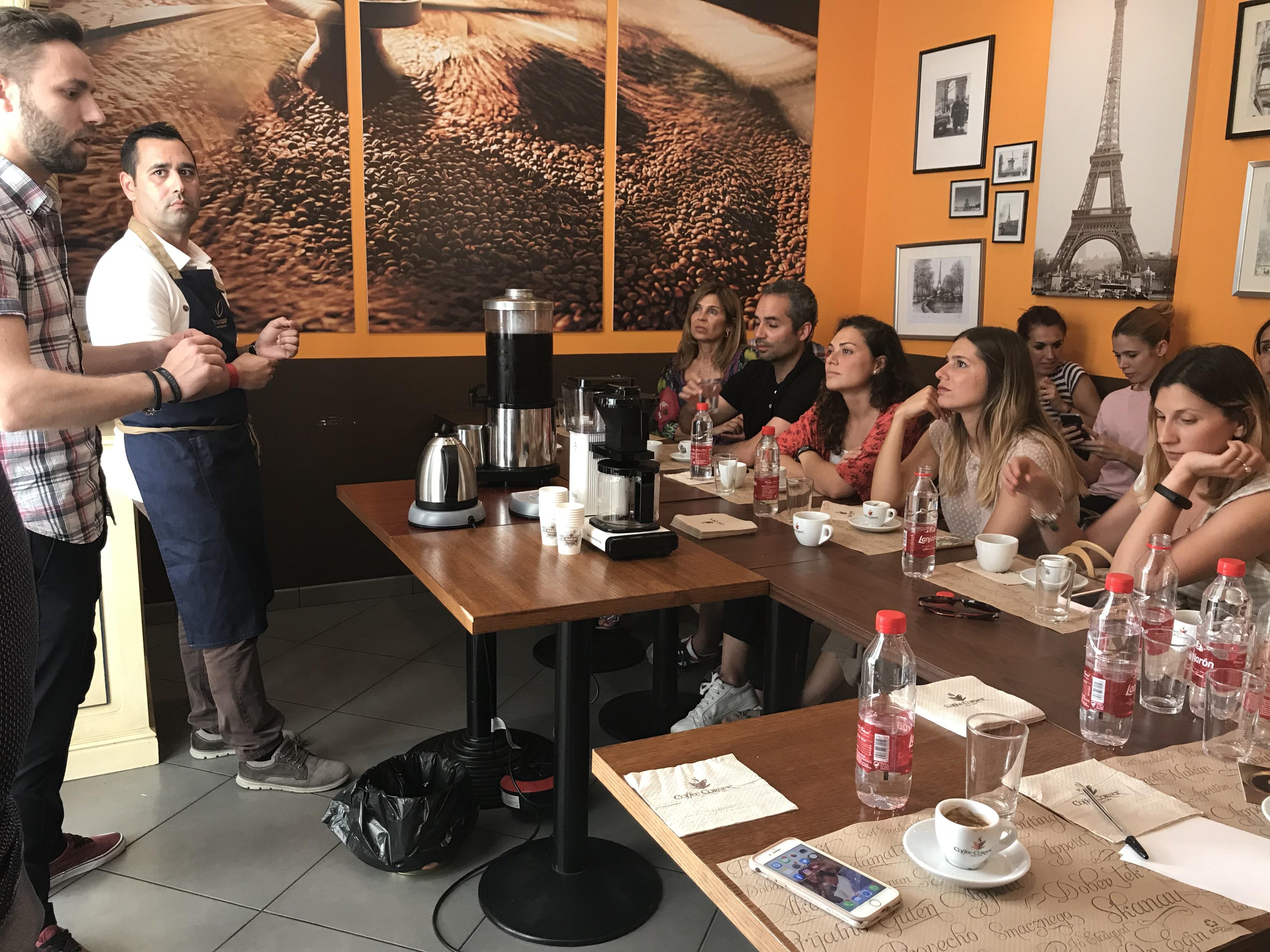 Cata de café arábica 100% en Coffee Corner.